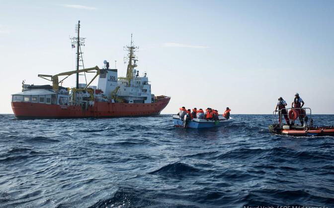 Abiorganisatsioonide päästelaev Aquarius Vahemerel 2018. aasta septembris.