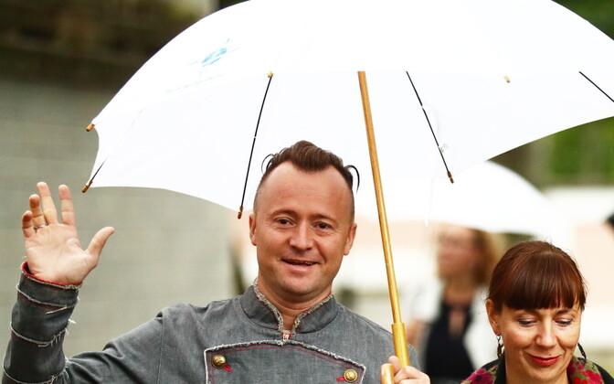 Руслан Трочинский с супругой на приеме президента в Розовом саду.