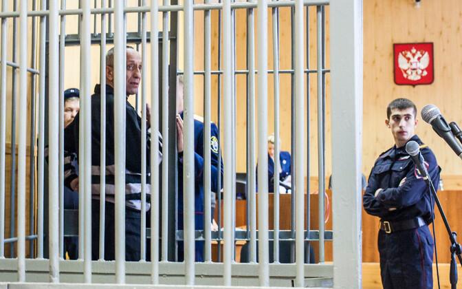 Mihhail Popkov Irkutskis kohtusaalis.