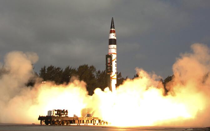 Испытание ракеты Agni-5 в 2012 году.