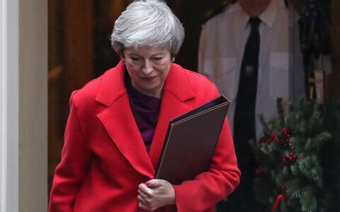 Тереза Мэй сохранила пост лидера Консервативной партии и премьер-министра Великобритании.
