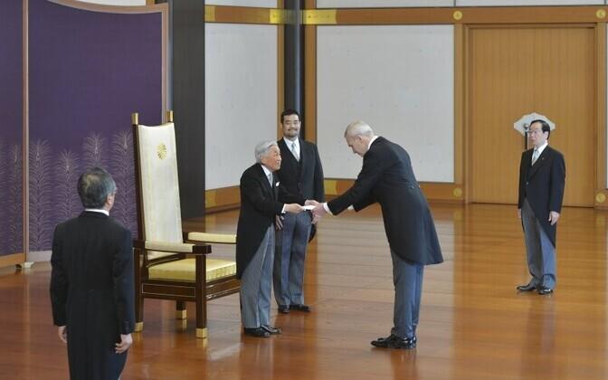 Suursaadik Väino Reinarti ja keiser Akihito kohtumine