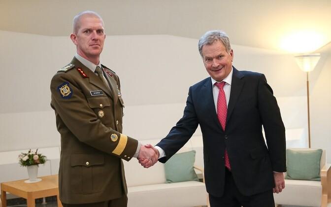 Kaitseväe juhataja kindralmajor Martin Herem ja Soome president Sauli Niinistö.