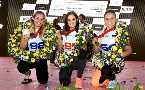 SKI Ladies GP1 MM-i esikolmik, Jasmiin Üpraus paremal