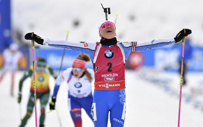 Kaisa Mäkäräinen jälitussõidu finišis