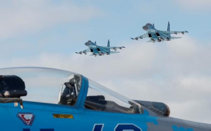 Ukraina sõjalennukid Su-27 laupäeval lendamas.