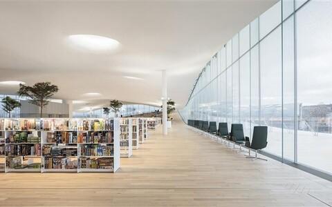 Helsingi keskraamatukogu Oodi on kui põhjamaine katusega agoraa.