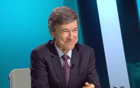 American economist Jeffrey Sachs on ETV's Esimene stuudio.