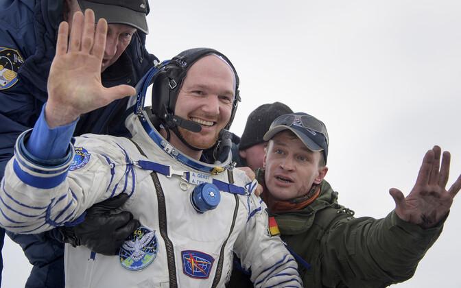 Астронавт Европейского космического агентства Александер Герст после приземления.