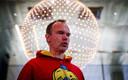 Глава Angry Birds Петер Вестербака проводит презентацию туннеля Таллинн-Хельсинки.
