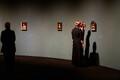 Michel Sittowi näitus näitas imelist nikerdamisoskust maalimisel ja kuidagi tavatut olukorda, kus tähelepanu tuli suunata nii ime-pisikestele asjadele, mis polegi hõõguvad nutitelefonid.