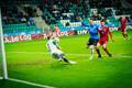 Сборная Эстонии забивает первый гол в ворота венгров.