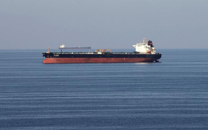 Naftatankerid Hormuzi väina läbimas.