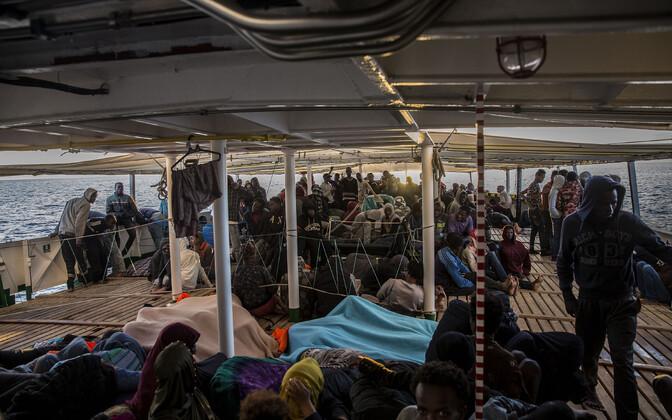 Migrandid Hispaania vabaühenduse Proactiva Open Arms päästelaeval.