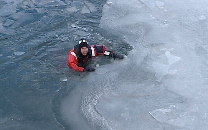 Various precautions should be taken when venturing on to lake ice (picture is illustrative).