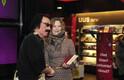 llar Jörberg esitles täna Tartu Kaubamaja kolmandal korrusel asuva Apollo raamatupoe ees oma raamatut