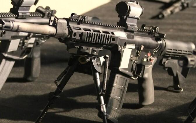 Новое стрелковое оружие Сил обороны - автоматы американской фирмы Lewis