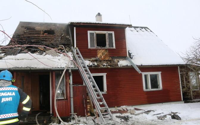 Пожар в деревне Экси унес две жизни.