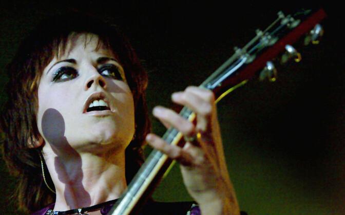 Laulja Dolores O'Riordan 1971-2018