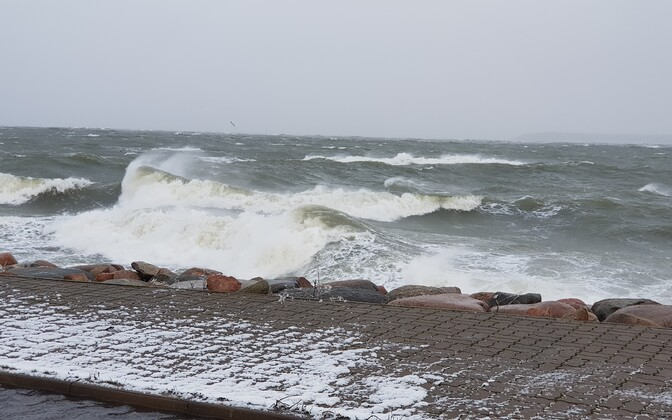 Stormy seas off Saaremaa recently.