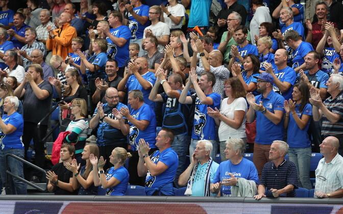 Publik kaasa elamas võrkpalli EM-valikmängule Eesti ja Iisraeli vahel