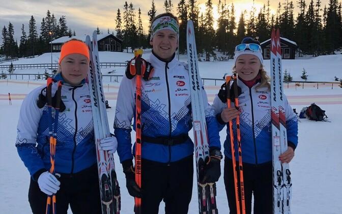 Doris Kudre, Mattis Jaama ja Daisy Kudre Norra meistrivõistluste finišis.