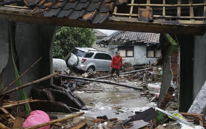 Indoneesia toibub alles detsembris riiki räsinud maavärinast ja tsunamist.