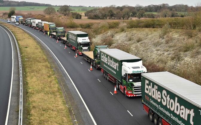 Великобритания намерена допустить въезд грузовиков из ЕС.