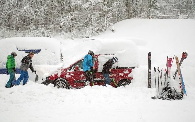 Alpides sadas nädalavahetusel maha suur hulk lund.