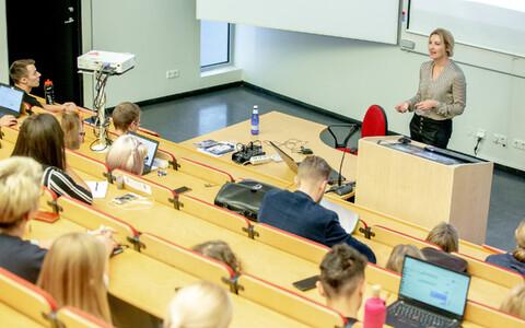 Tartu Ülikooli Pärnu kolledž, arhiivifoto.