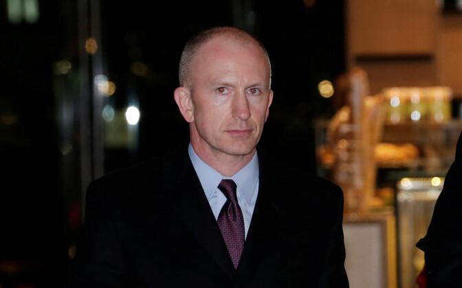 USA kaubandusesindaja asetäitja Jeffrey Gerrish Pekingis hotelli saabumas.