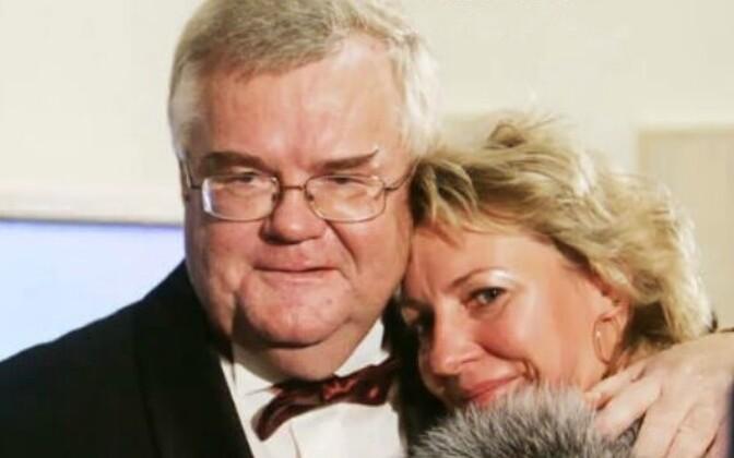 Edgar Savisaar together with former wife, Vilja Toomast, in a still from Wednesday's Pealtnägija broadcast.