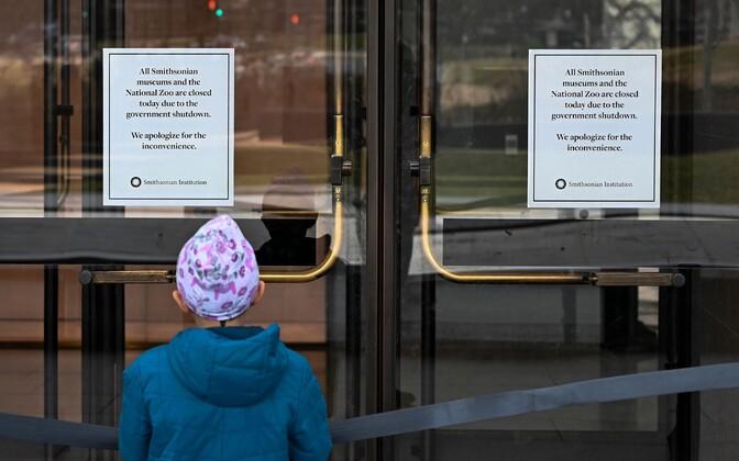 Valitsuse tööseisaku tõttu suletud muuseum.