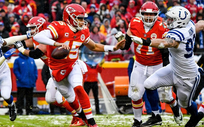 Margus Hunt (92) in last season's less successful Colts-Chiefs clash, attempting to bring down Chiefs QB Patrick Mahomes. The latter had a much drier spell in Sunday's rematch.