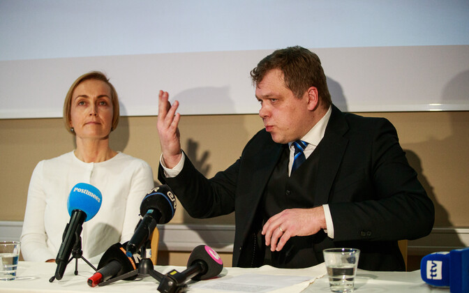 Kristina Kallas and Lauri Hussar at their press conference on 14 January.