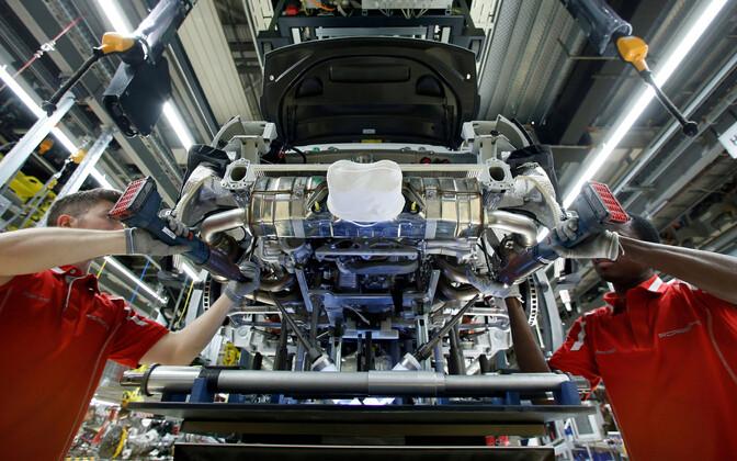 Töötajad Saksamaal Porsche tehases.