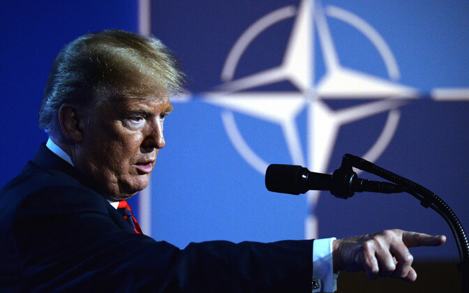 Дональд Трамп на саммите НАТО в Брюсселе.
