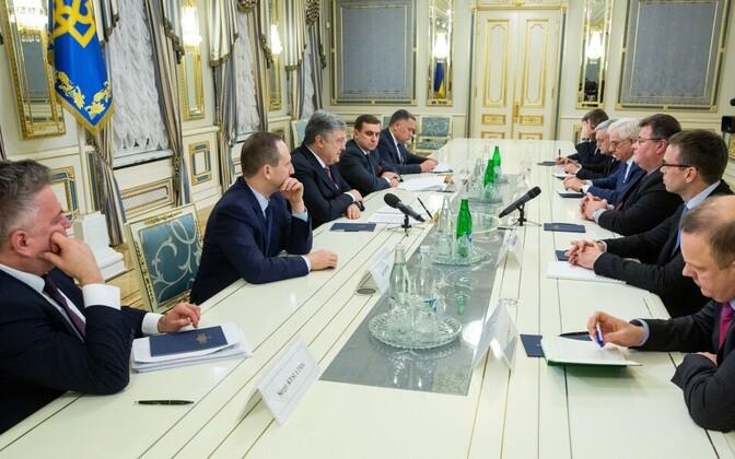 Президент Украины встретился с главами внешнеполитических ведомств Эстонии, Литвы и Польши.