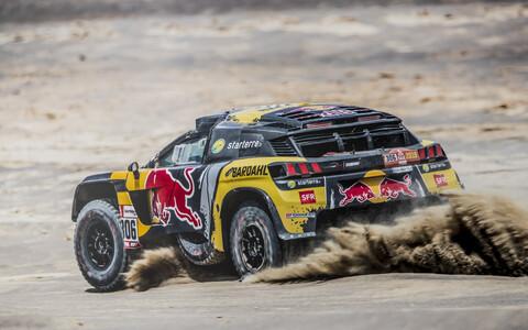 Sebastien Loeb Dakari ralli seitsmendal katsel