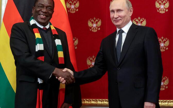 Zimbabwe president Emmerson Mnangagwa saabus teisipäeval visiidile Moskvasse.
