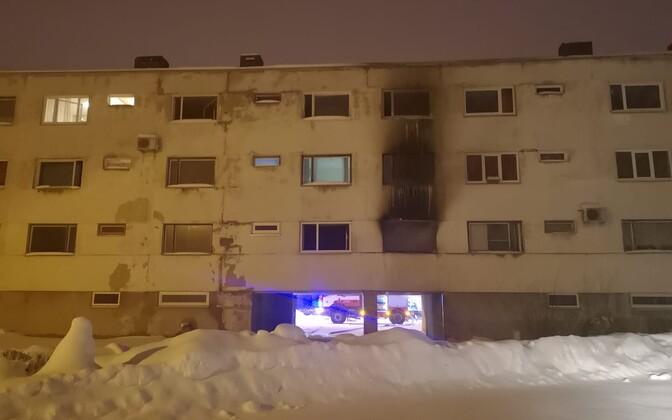 Пожар произошел в квартире на первом этаже.