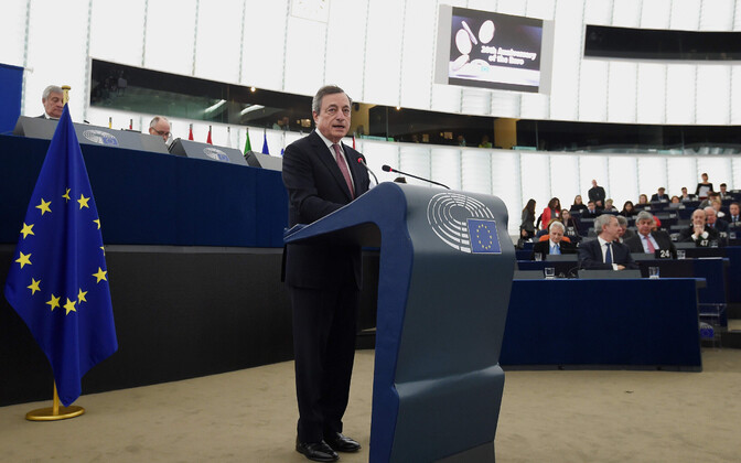 Euroopa Keskpanga president Mario Draghi europarlamendis.