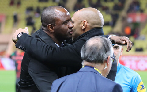 Paremal Thierry Henry (Monaco) ja vasakul Patrick Vieira (Nice)