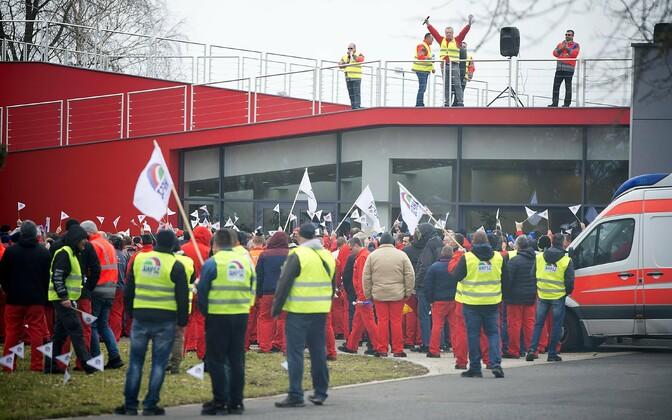 Audi töötajate hoiatusstreik Ungaris.
