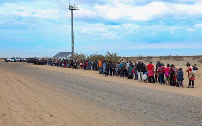 Arizona piiril kinni peetud migrandid.