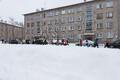 Eskola jooksu start Narva raekoja platsil.