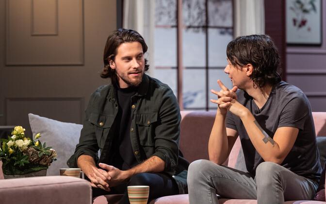 Букмекеры советуют Виктору Крону (слева) и автору композиции Storm Стигу Рятса бронировать билеты в Израиль уже сейчас.