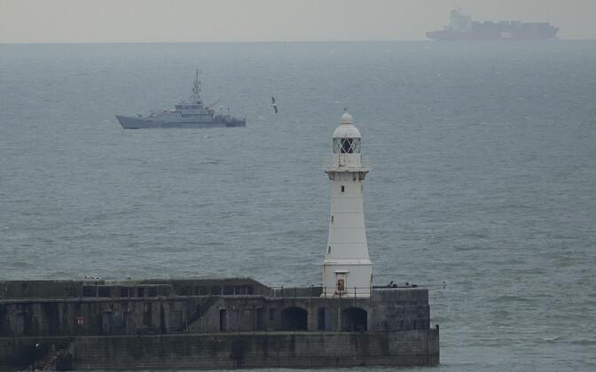 Meri Doveri lähistel.
