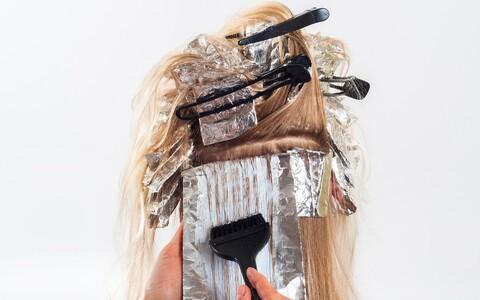Teaduspõhise idufima arendajad leidisd molekuli, millega on võimalik värv tõhusalt juuksepinnale kinnitada.