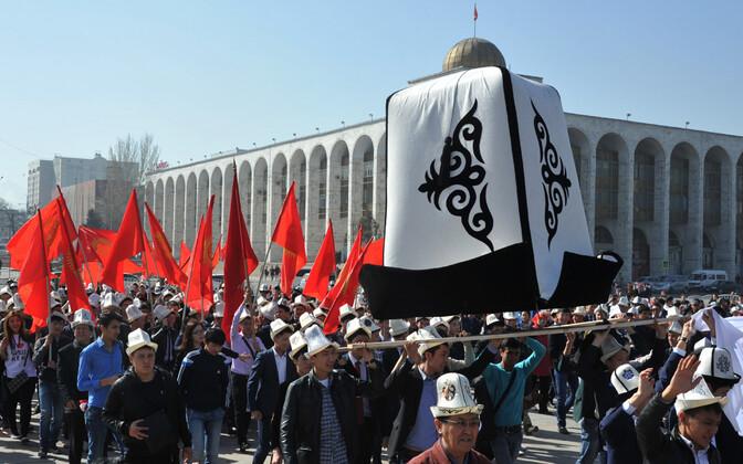 Kõrgõzstani traditisoonilise peakatte Ak-Kalpaki päeva tähistamine Biškekis.